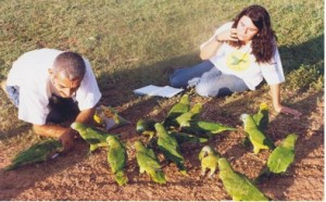 Glaucia and Vandir (Image: Blue-fronted Amazon Project archive)